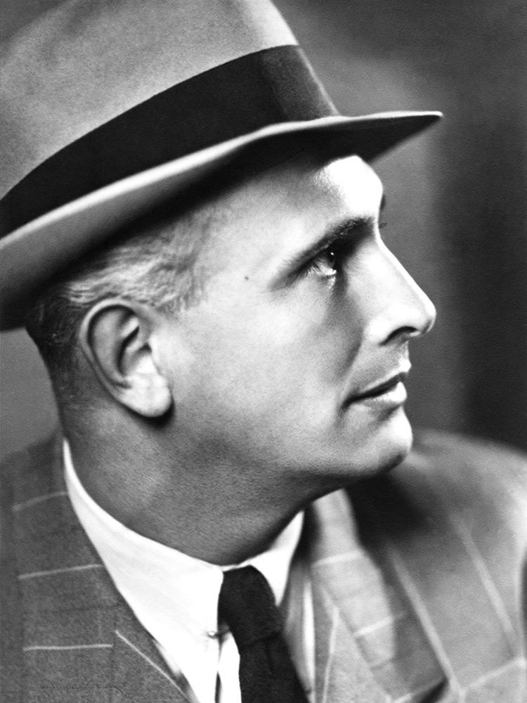 Vedenie spoločnosti prevzal v roku 1930 Fritz Pascoe